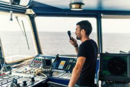 VHF-marifoon en walstation